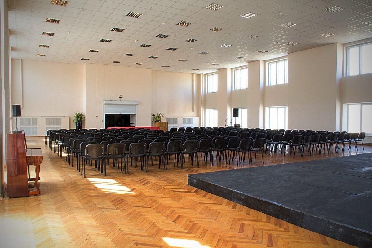 Konferenc-zaly-tanceval'nye-zaly-fitnes-zaly-zaly-dlja-treningov-i-seminarov-4
