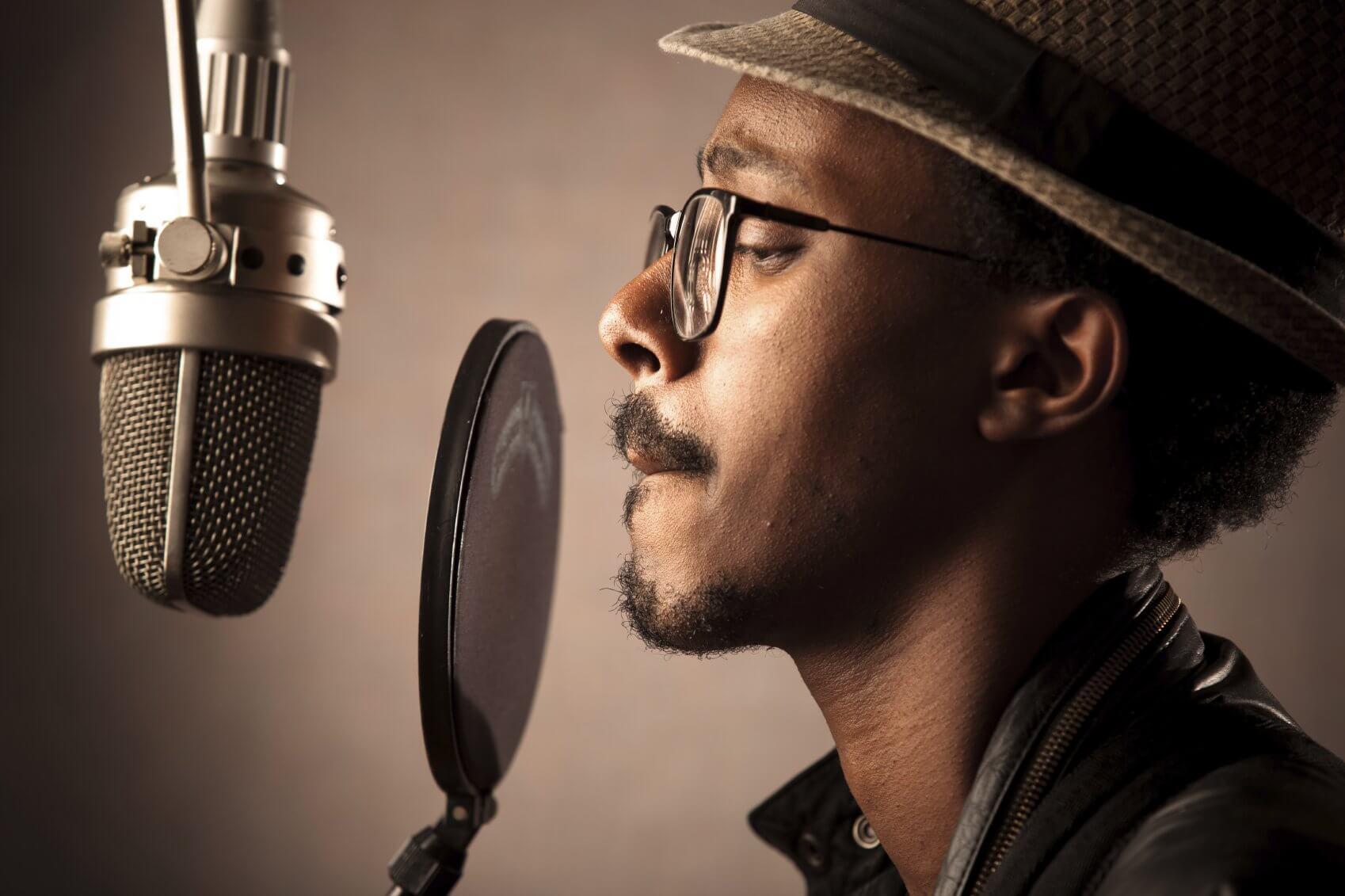 Нравится ли Вам звучание Вашего голоса в записи